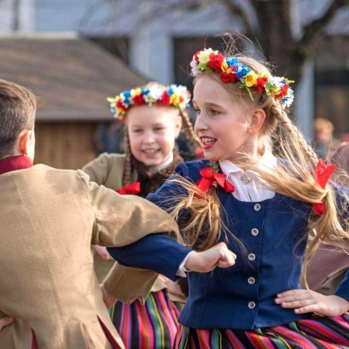 Läti folkloori show