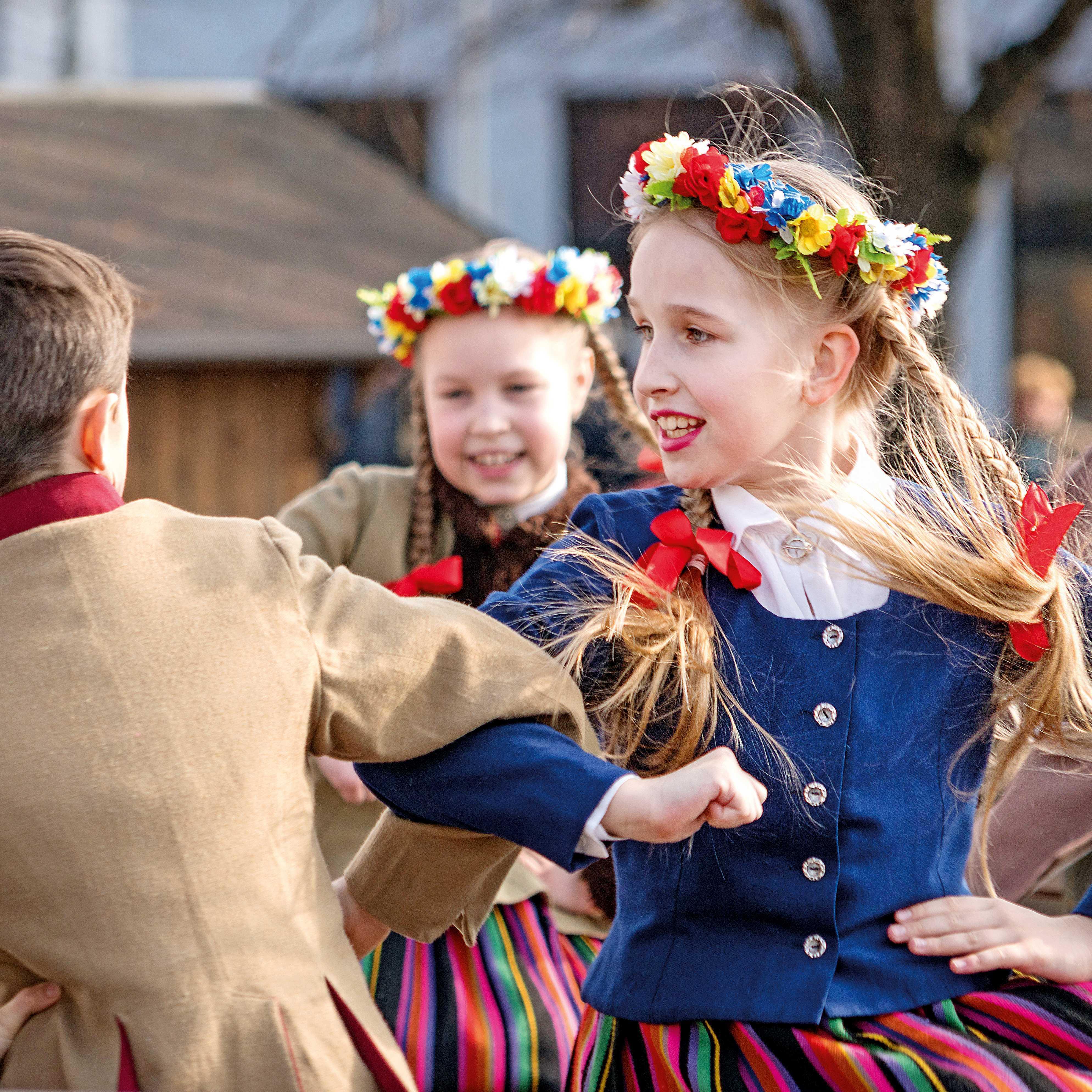 Susipažink su liaudies tradicijomis
