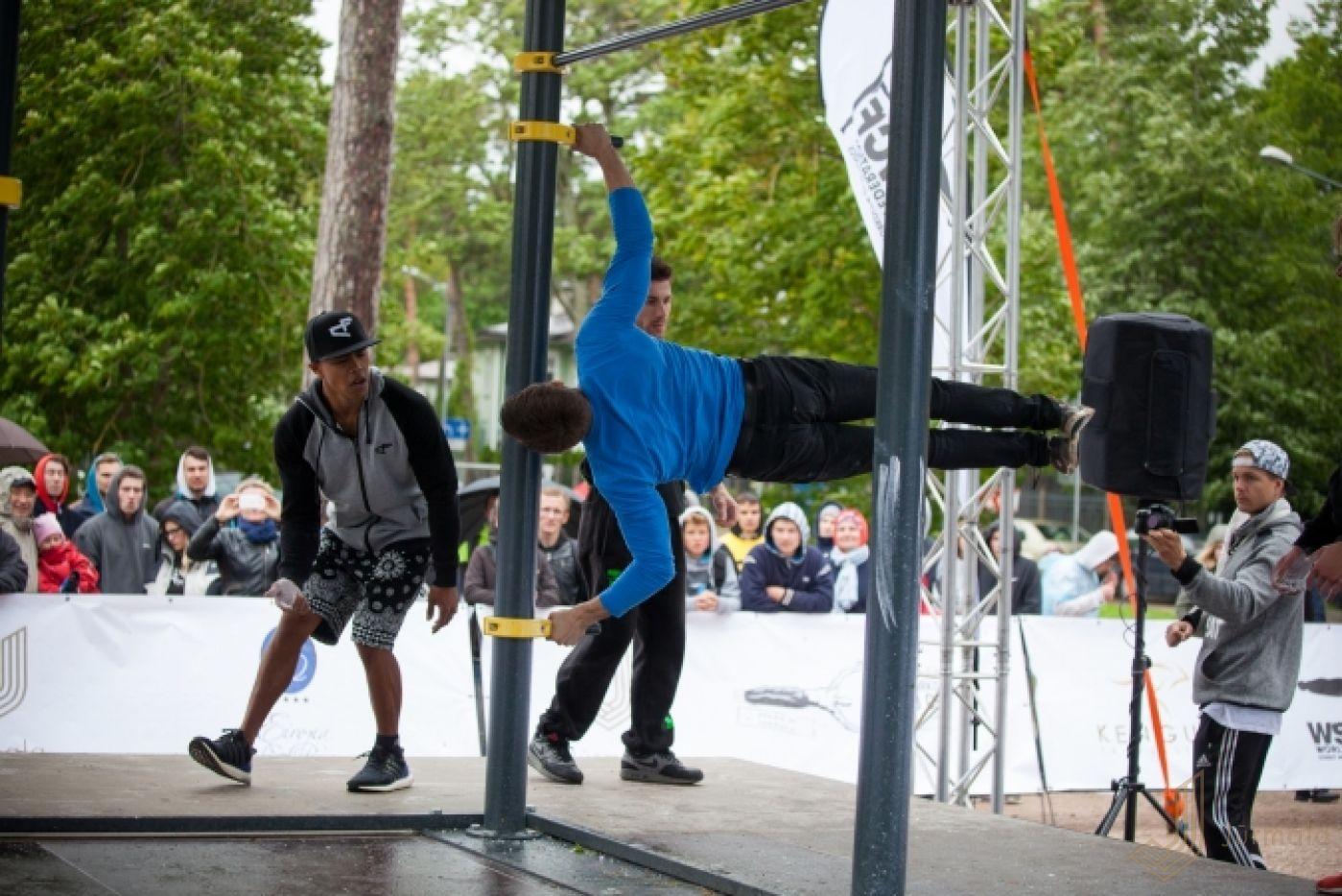 The festival in Jurmala is in full swing 29.07.2009 70